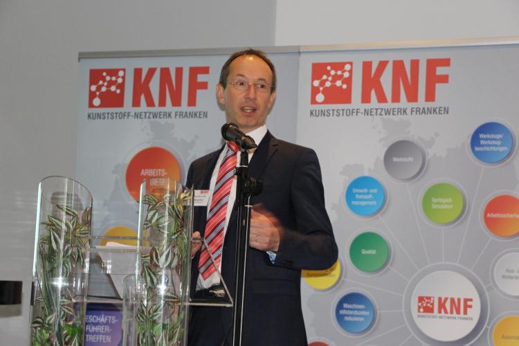 Karl Michael Roth berichtete aus dem Vorstand.