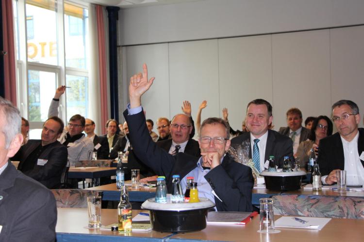 Abstimmung über die Entlastung der Vorstandschaft.