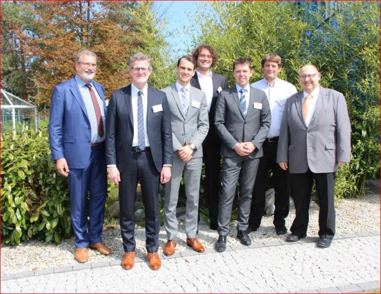 Die Referenten zusammen mit Hans Rausch, dem Geschäftsführer des KNF