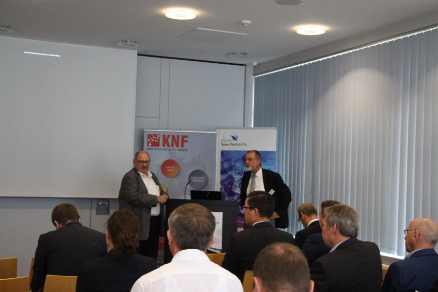 Herr Rausch bedankt sich bei Dr. Klaus Funk für seinen Vortrag