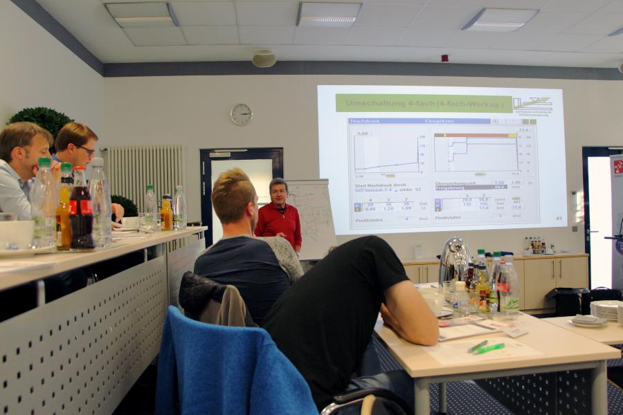 2017-10-12 Seminar Effizienzsteigerung durch vertieftes Anwenderwissen im Spritzguss Bild 5