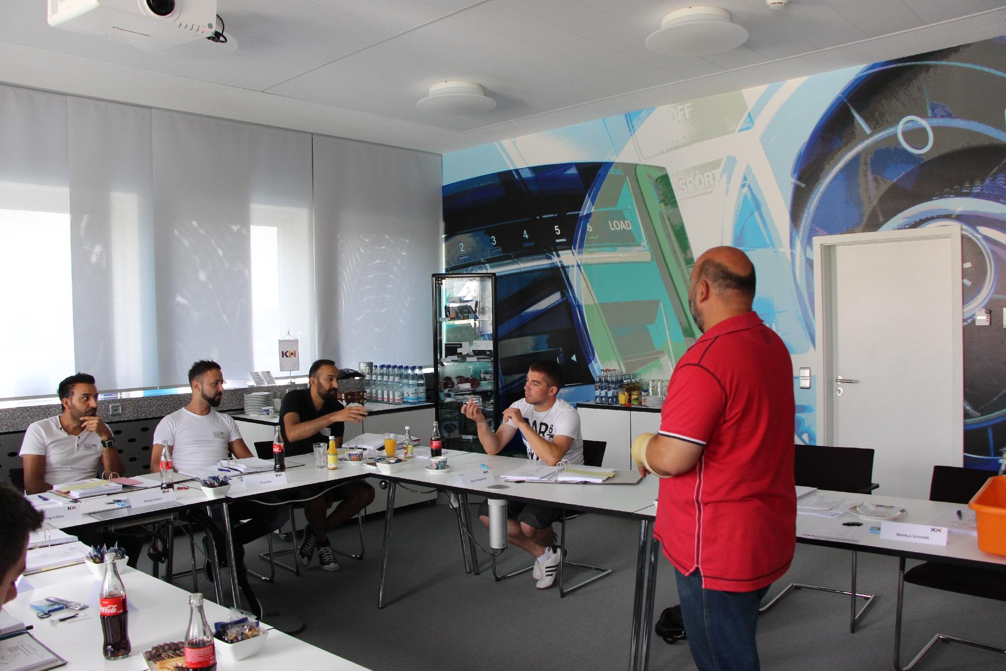 Geprüfte Fachkraft Spritzgieß-Produktion: Seminar Werkzeugaufbau bei der Fa. Kunststoff Helmbrechts AG, Juni 2017