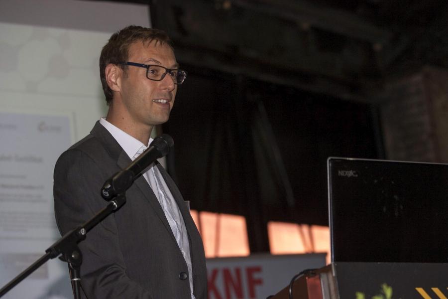 Vorstandsmitglied Stefan Hofmann informierte die Mitglieder über die Themen, welche die Vorstandsarbeit 2017 hauptsächlich geprägt haben.